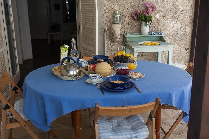 A refreshing Mediterranean breakfast
