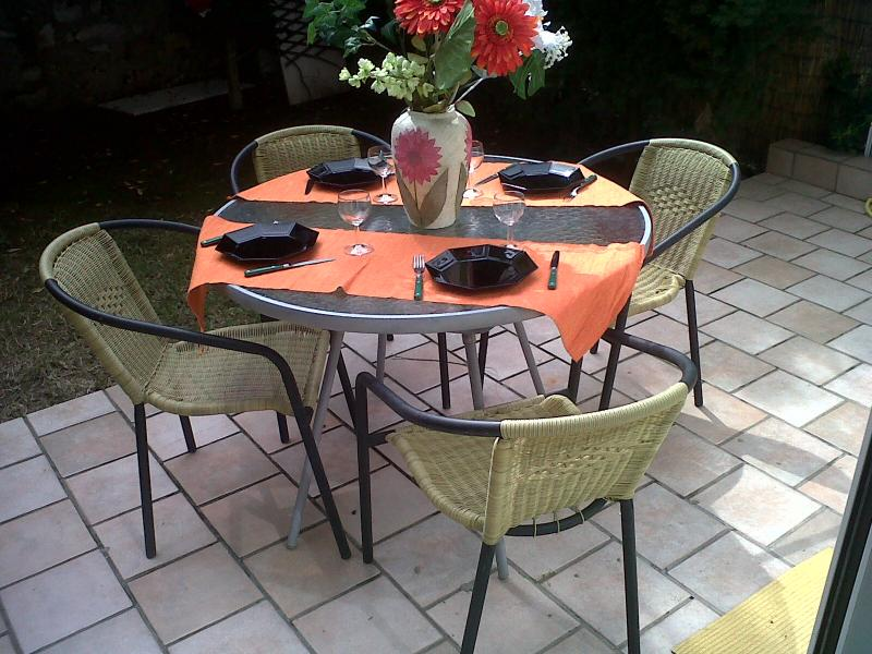Special offer!Charming renovated Cozy Apartment, Center Beaulieu private Garden, vacation rental in Monaco-Ville