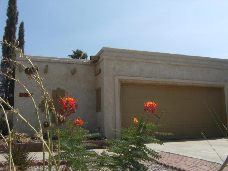 Exquisite Sw Home, Tranquil Mountain Views, Convenient Location!, casa vacanza a Las Cruces