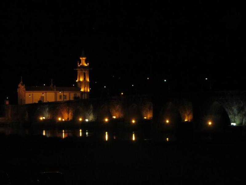 Igreja junto ao rio Lima e Ponte Romana a 9km