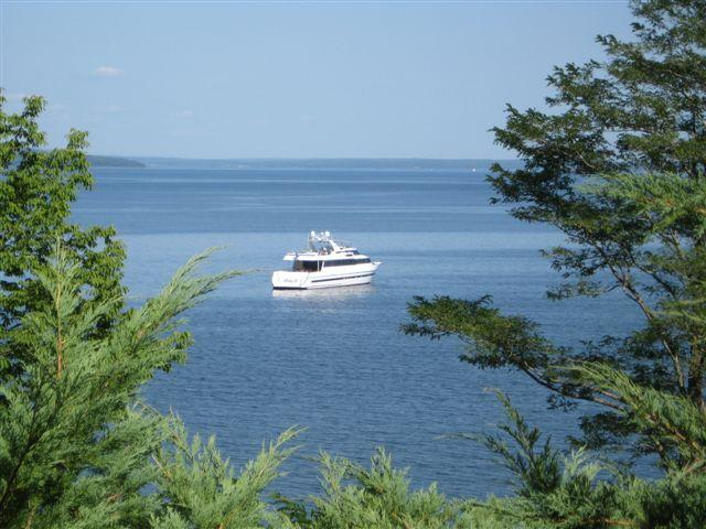 Bayside / Northport / Belfast Shorefront Weekly Rental #2, holiday rental in Searsmont