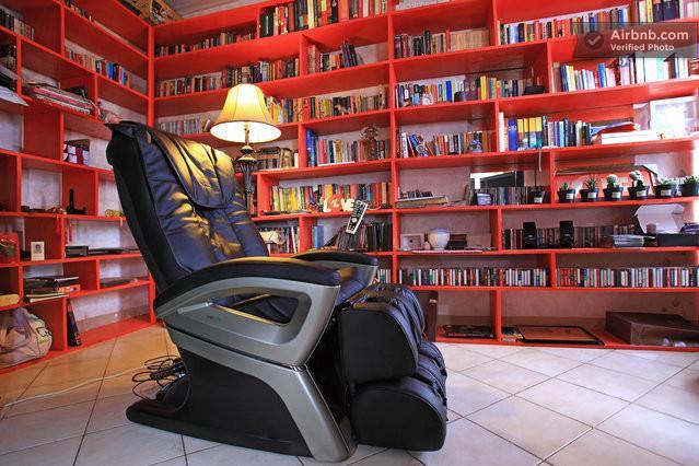 Master bedroom with library, massagechair and crosswalker