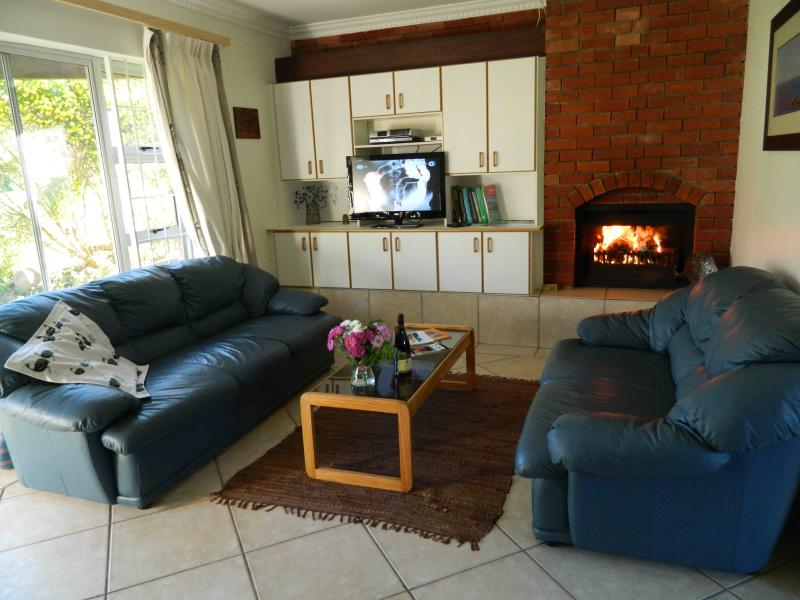 Guinea Fowl- Self Catering & B&B-Constantia, holiday rental in Constantia