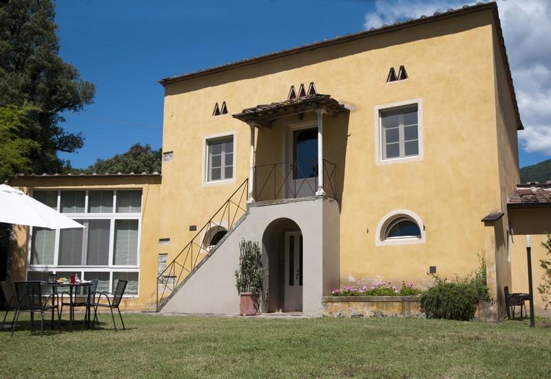 MAGNOLIA house in a historical monumental estate., alquiler vacacional en Camigliano