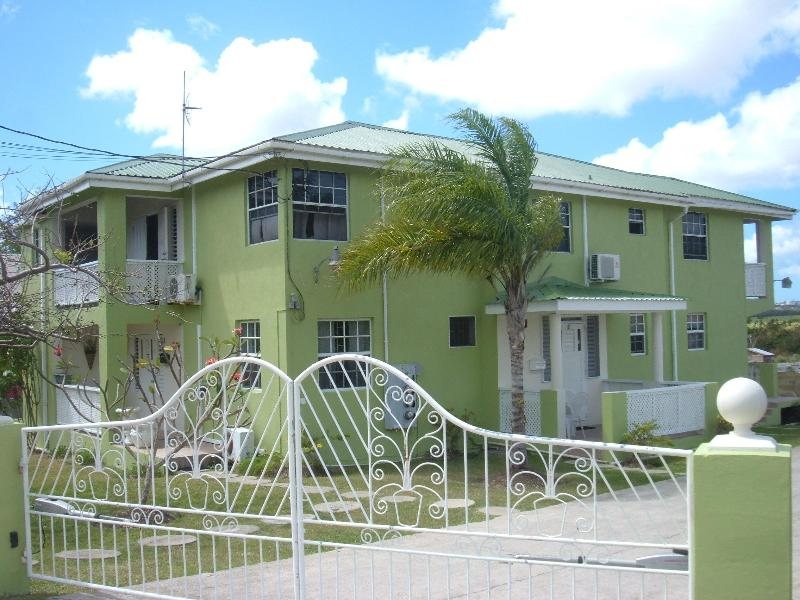 Malfranza Apartments-Home Away From Home, Ferienwohnung in Bridgetown