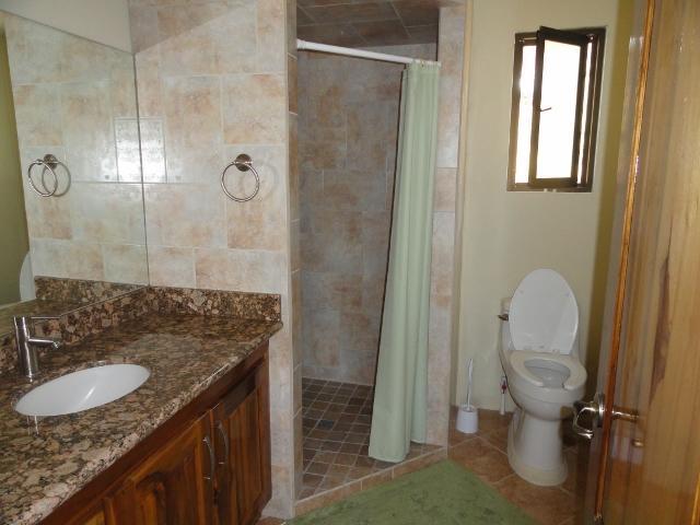 Guest Room - Bathroom ensuite