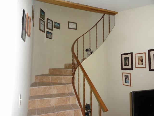 Guest Room - Stairway to Guest Room