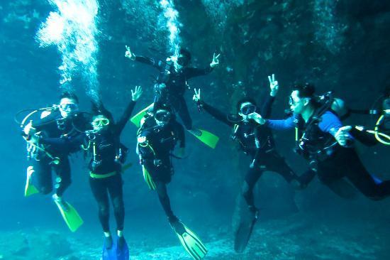 Easy Chango Dive Shop in Tulum 40 Metres Walking