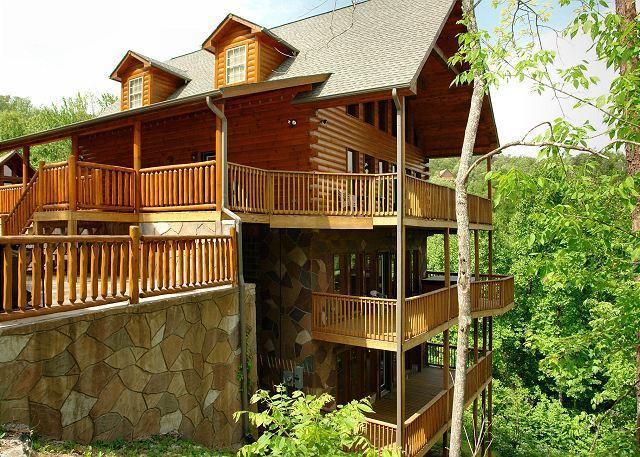 7 Bedroom, Redneck Ritz in Gatlinburg TN