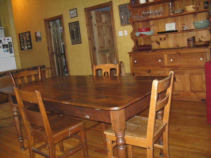 Dining Room seats 6 + another smaller table available