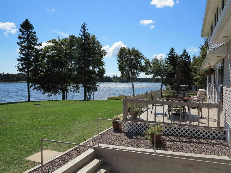 Gorgeous River Beach Front Homes - Mill River PEI, vacation rental in Ellerslie
