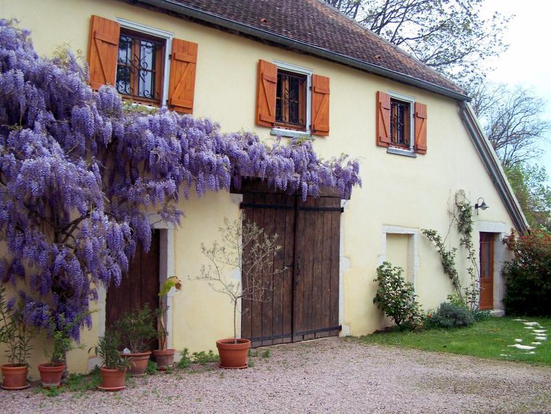 La Maison Jaune, holiday rental in Ecuisses