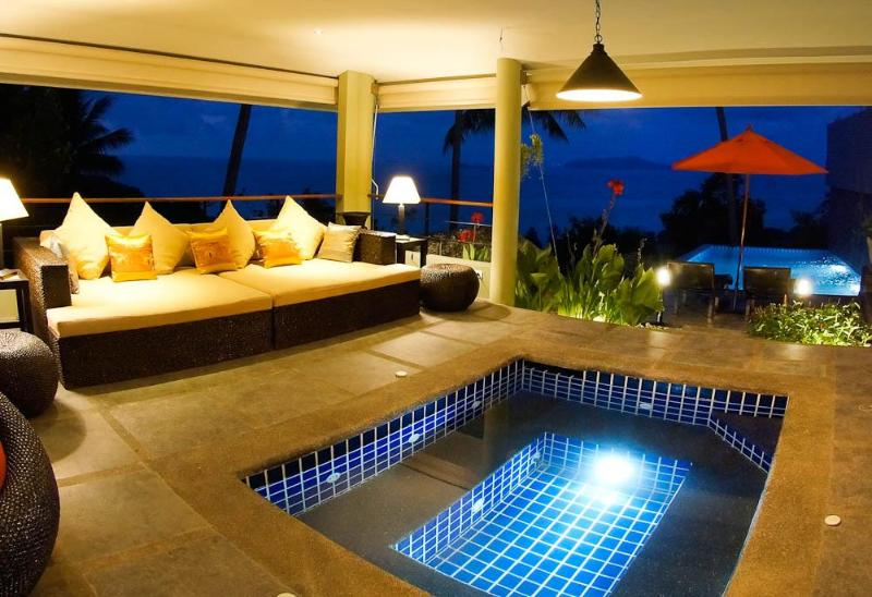 Ocean View, Romantic 1 Bed Villa Sapphire with Pool, Jacuzzi and FREE CAR, vacation rental in Laem Set