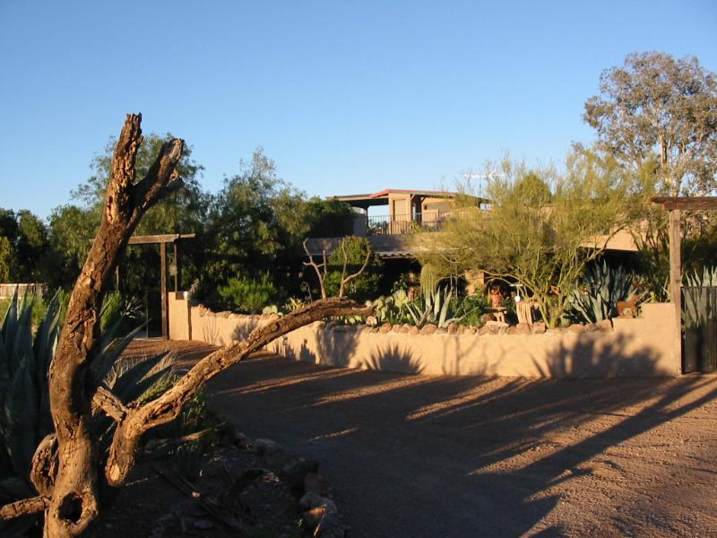 Spectacular Desert Villa, 10 lush private acres, holiday rental in Tucson