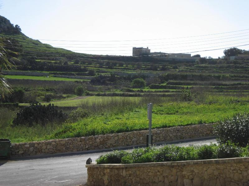 Dolphin Court Apartments in Marsalforn Gozo, holiday rental in Marsalforn