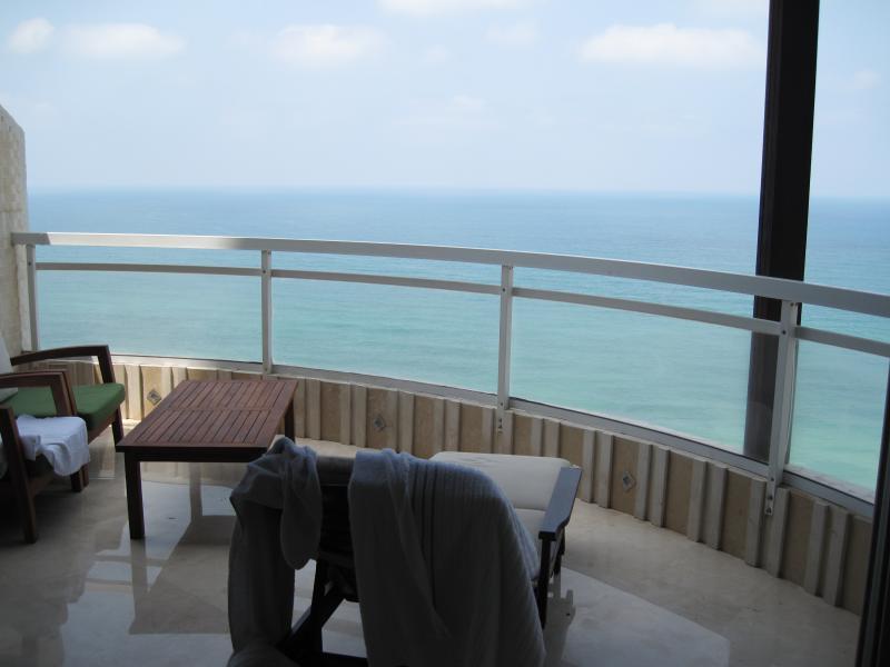 balcony w sunbed