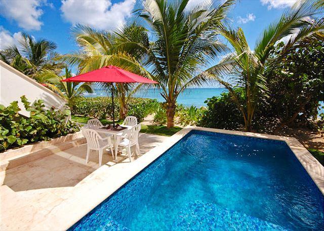 Casa Coral, luxury beachfront condos on Jade Bay, Akumal, Mexico