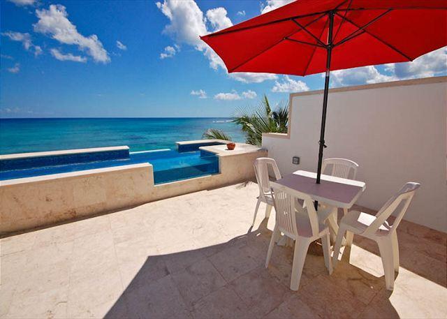 Casa Coral luxury beachfront penthouse condo on Jade Bay, Akumal