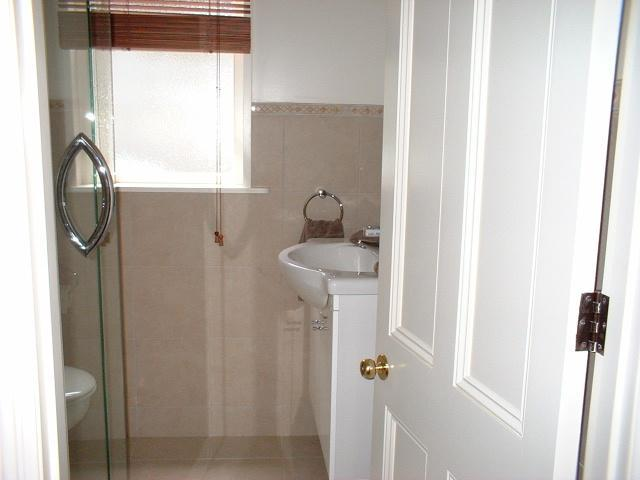 Devonia Cottage Bathroom