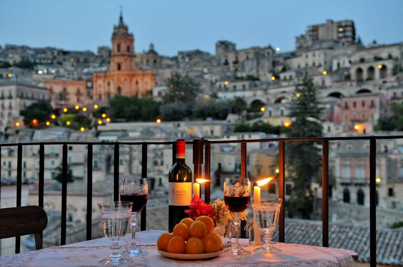 CASAORNI  - YOUR PERSONAL GLANCE UPON BAROQUE, vakantiewoning in Modica