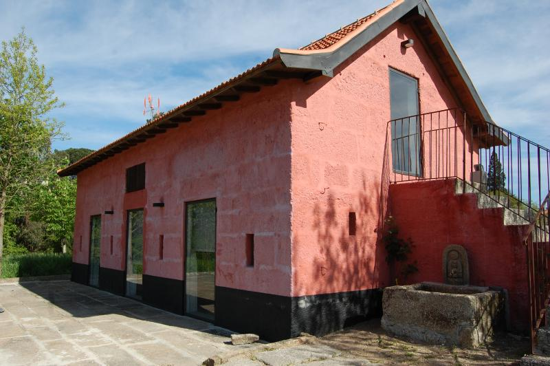 Cottage in a vineyard - 30 km from Oporto, alquiler de vacaciones en Pacos de Ferreira