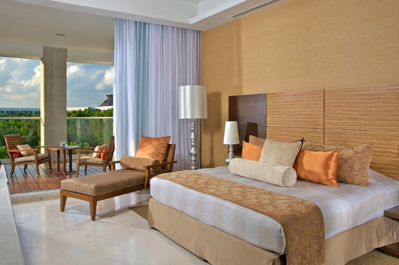 Luxxe Suite Bedroom
