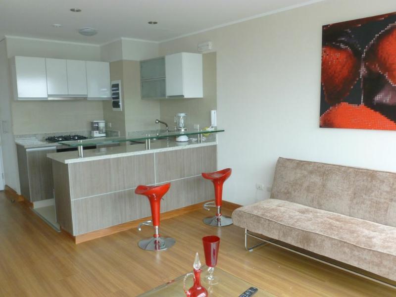 BARRANCO 360 , Freshly new Apartment ,Excellent location, location de vacances à Lima