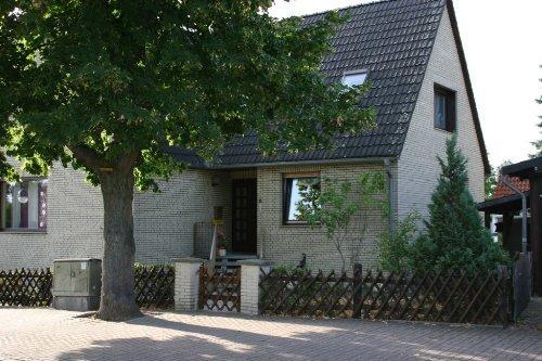 Vacation Apartment in Wolfenbüttel - 377 sqft, quiet location, central, close to nature (# 3900) #3900