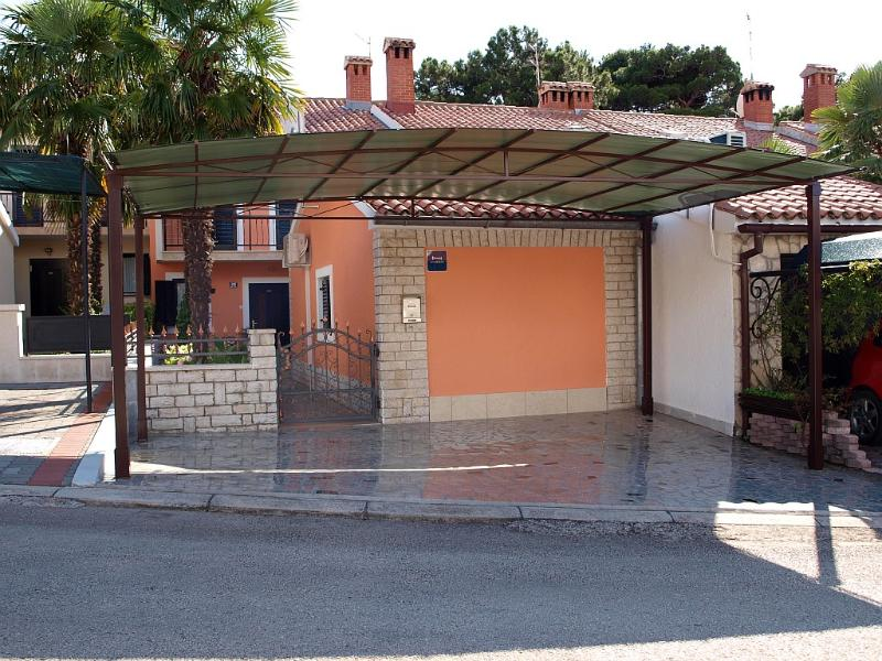 Apartment Marija-Edo Stifanic, location de vacances à Porec