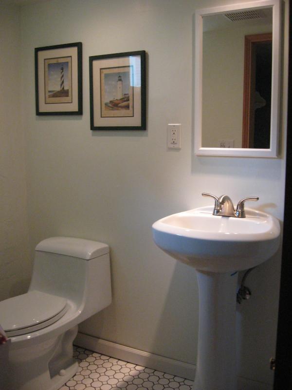mezzo bagno di terza camera