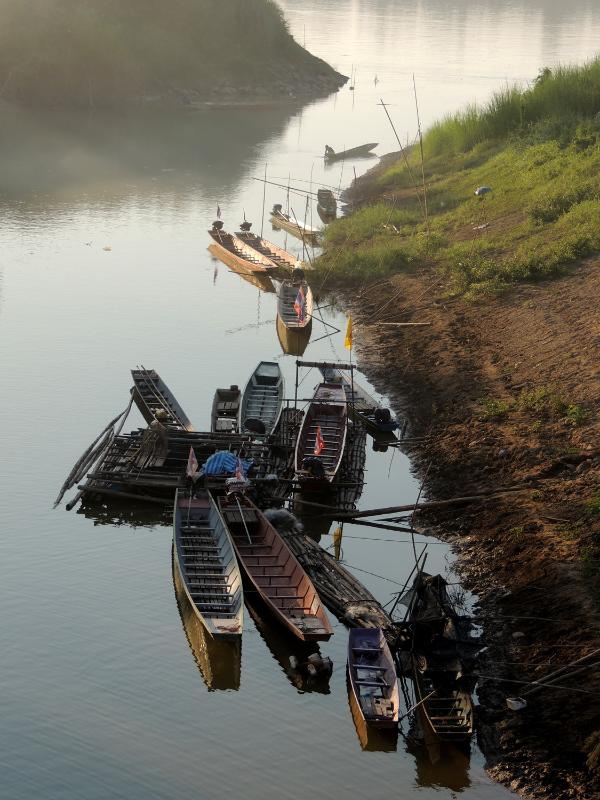 Boats at Phon Phisai