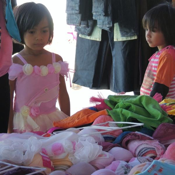 Girls at the Lao market not far from Mekong House