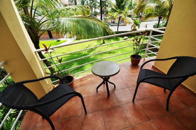 Your private balcony with the ocean breeze!