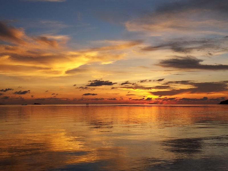 Sonnenuntergang am nahe gelegenen Woktum Bay