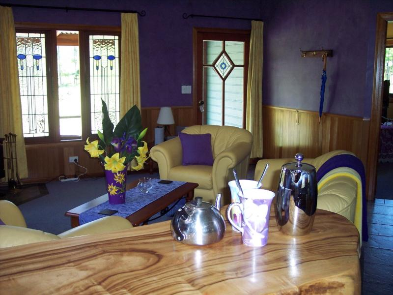 Gypsy Falls Waterfall Retreat Moondara Cottage, vacation rental in Coopernook