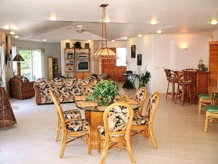 Dining and family room with wireless internet,dish t.v,radio,and much more.