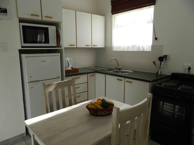 Paddaplek Kitchen & Dining Area