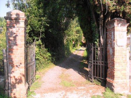 Gate and road that leads to the house