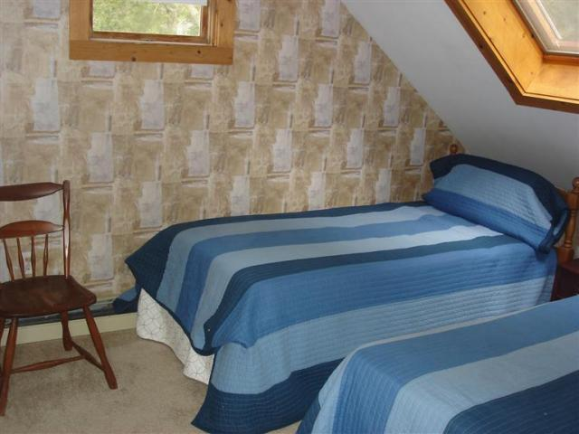 2nd floor bedroom  - perfect for the kids