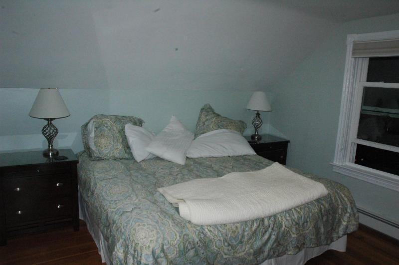 Master Bedroom (looking left from doorway)