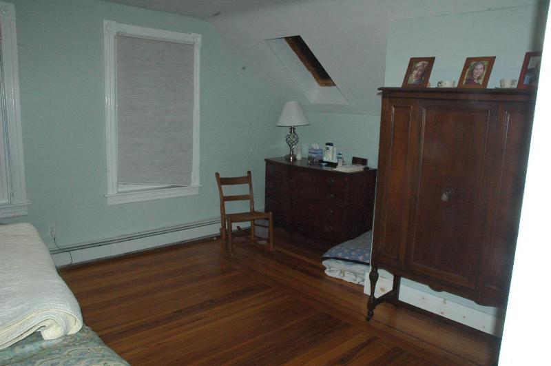 Master Bedroom (Looking right from doorway)