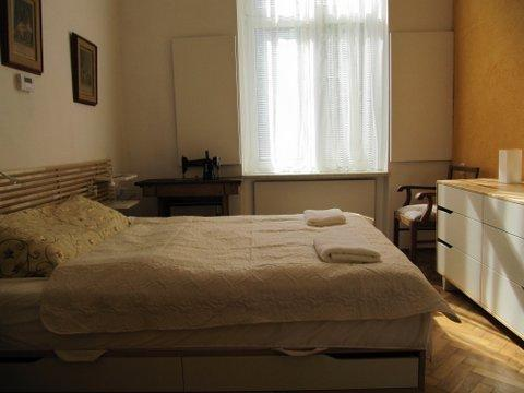 2 rooms Apartment in Krakow near Wawel Castle, old town and Jewish district. Accommodation for 2-3.