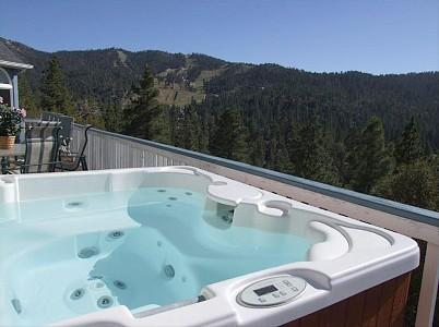 top deck jacuzzi with a view to the world