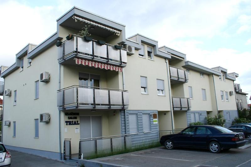 Apartment Luna, alquiler de vacaciones en Kastel Stari