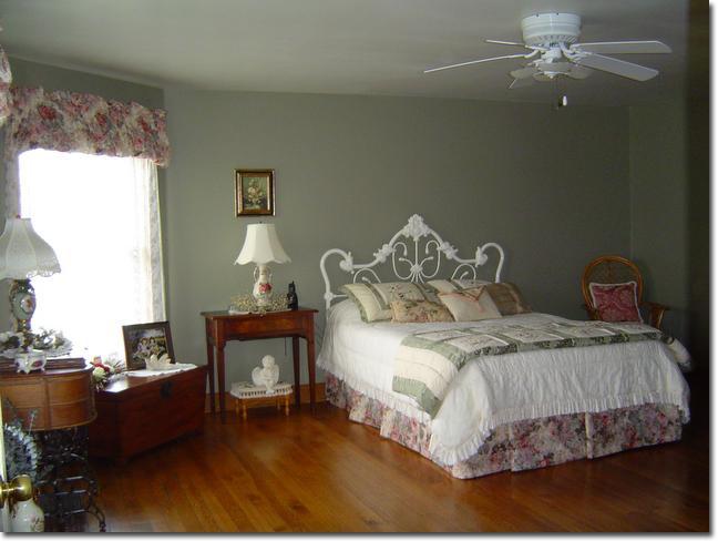'Garden' Bedroom