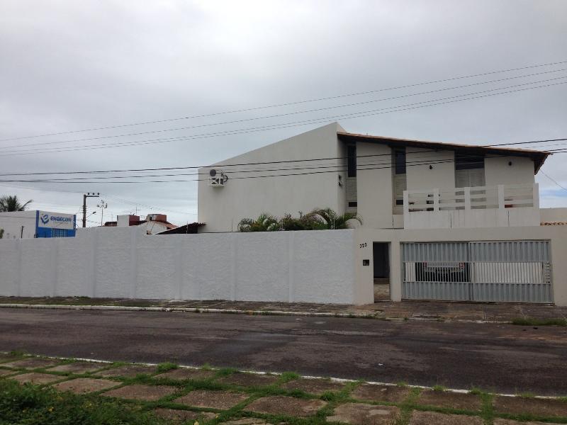 Aracaju praia de Atalaia house 4 bedrooms, casa vacanza a Aracaju