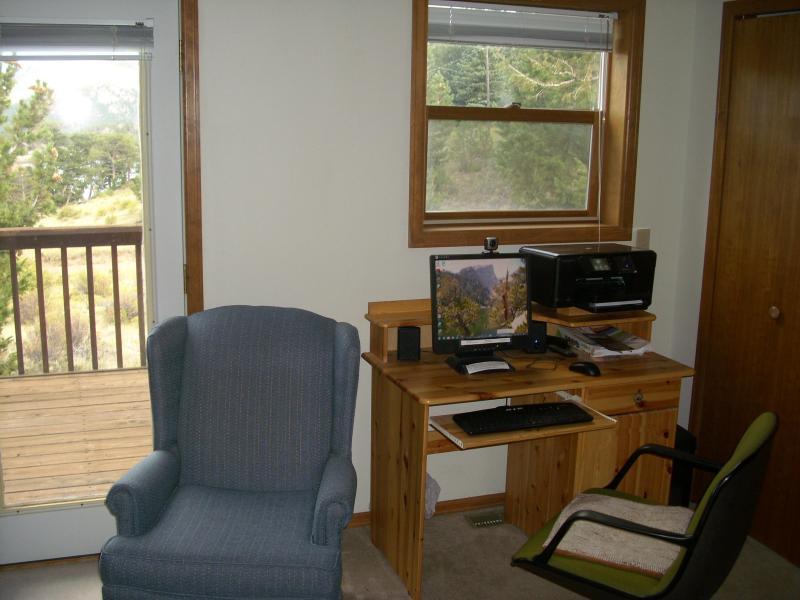 Desk, computer, printer,scan,copy in Master bedroom