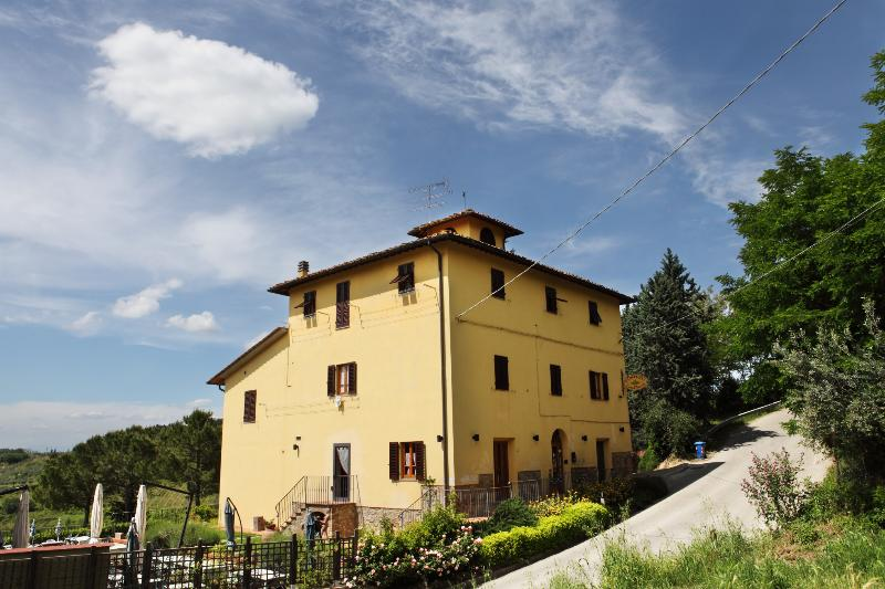 A nest in the heart of Tuscany, holiday rental in Trecento