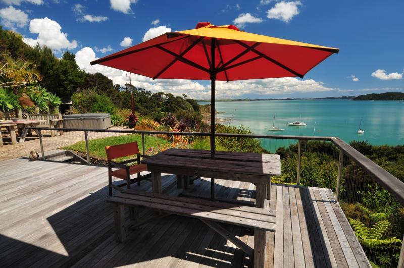 Vista desde la terraza de desayuno, orientación norte, resguardado y caliente!