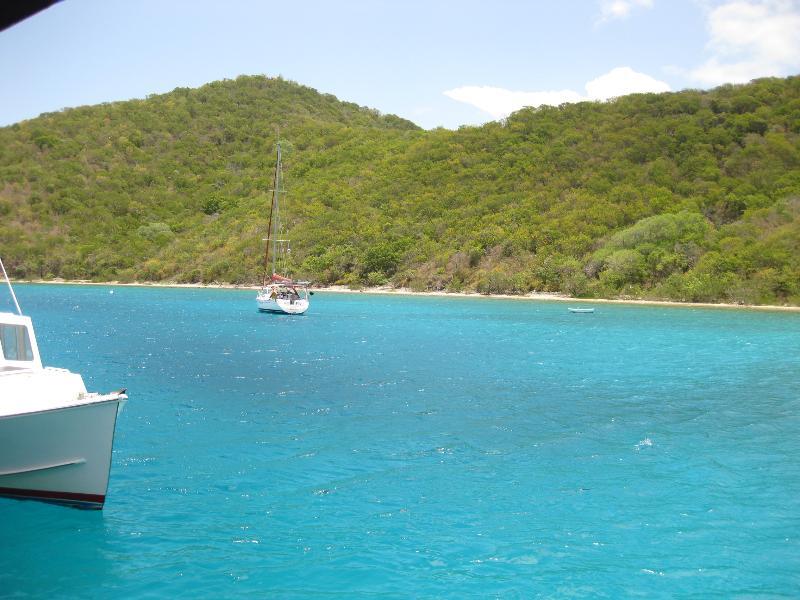 Eau bleue d'îles Vierges américaines
